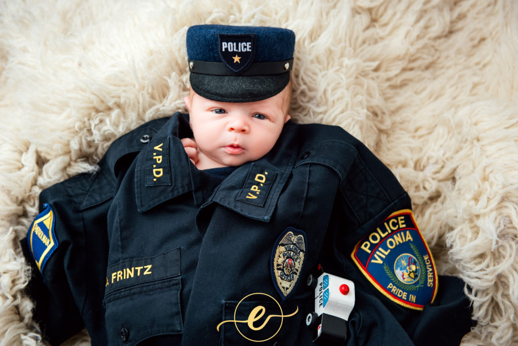 Easley-life-photography-conway-ar-photographer-newborn-baby-boy-police-officer